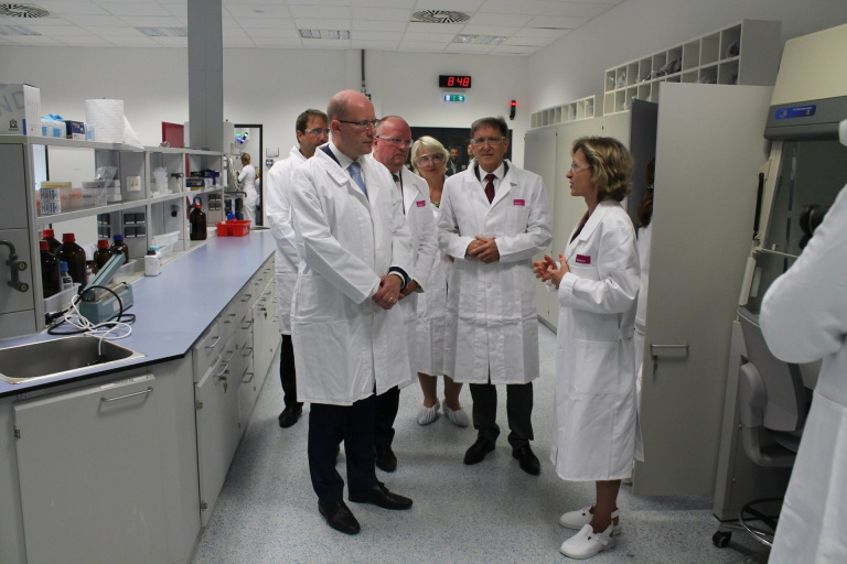 Czech prime minister visits Synthon's affiliate in Blansko