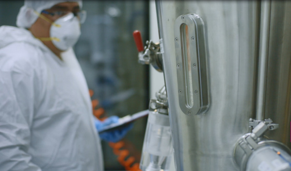 Operator in Synthon's multi-purpose drug product site in Chile