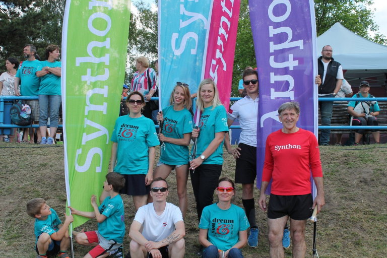 Synthon's 2017 team participating in the 'You dream, we run' event